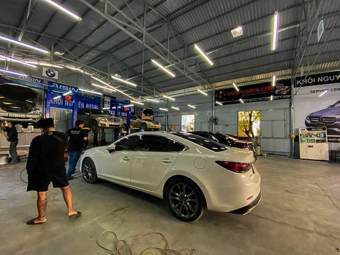 garage bảo dưỡng xe ô tô