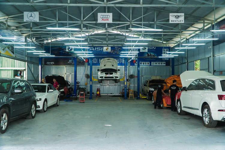 garage sửa xe ô tô